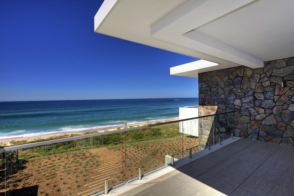 Architecturally Designed Central Coast Apartments 005