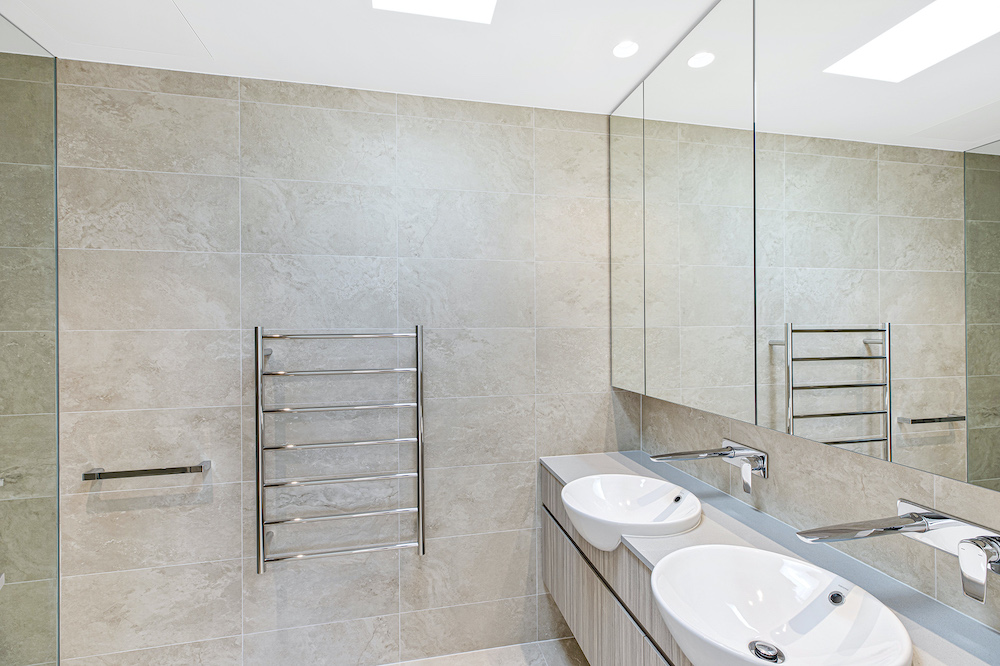 Wamberal Mixed Use - Stunning Bathrooms in Unit