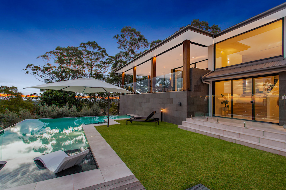 Stunning Backyard With Pool - Castle Hill House