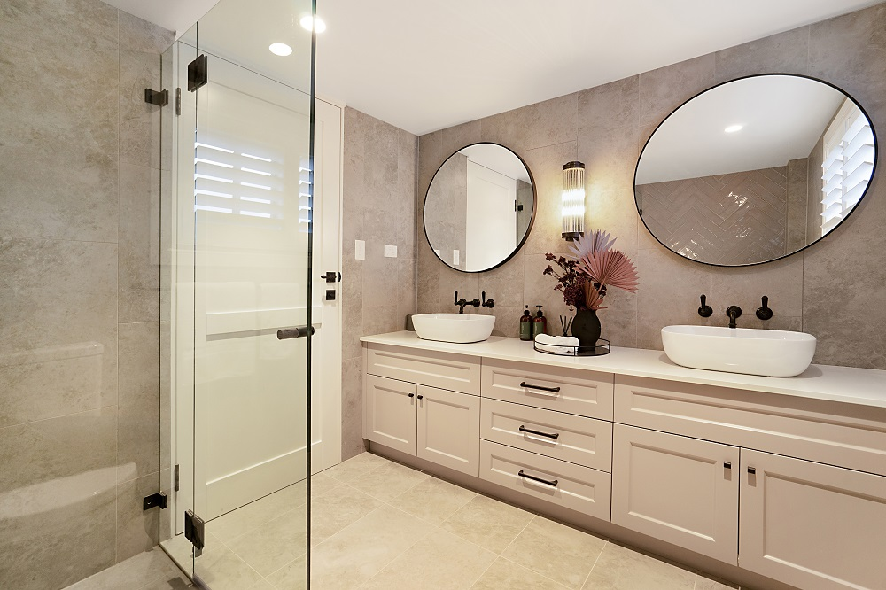 Modern Hamptons House Bathroom